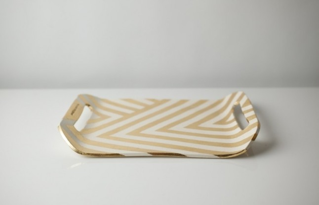 gold-tray-side-773x500